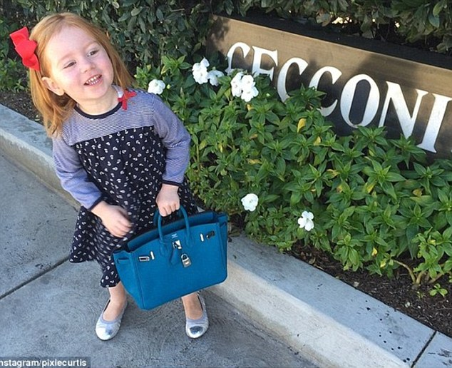 299A11BA00000578 3123218 Look at her bag Pixie Curtis may only be three but she already s m 4 1434243673149 - Hermes Middle Age Crisis