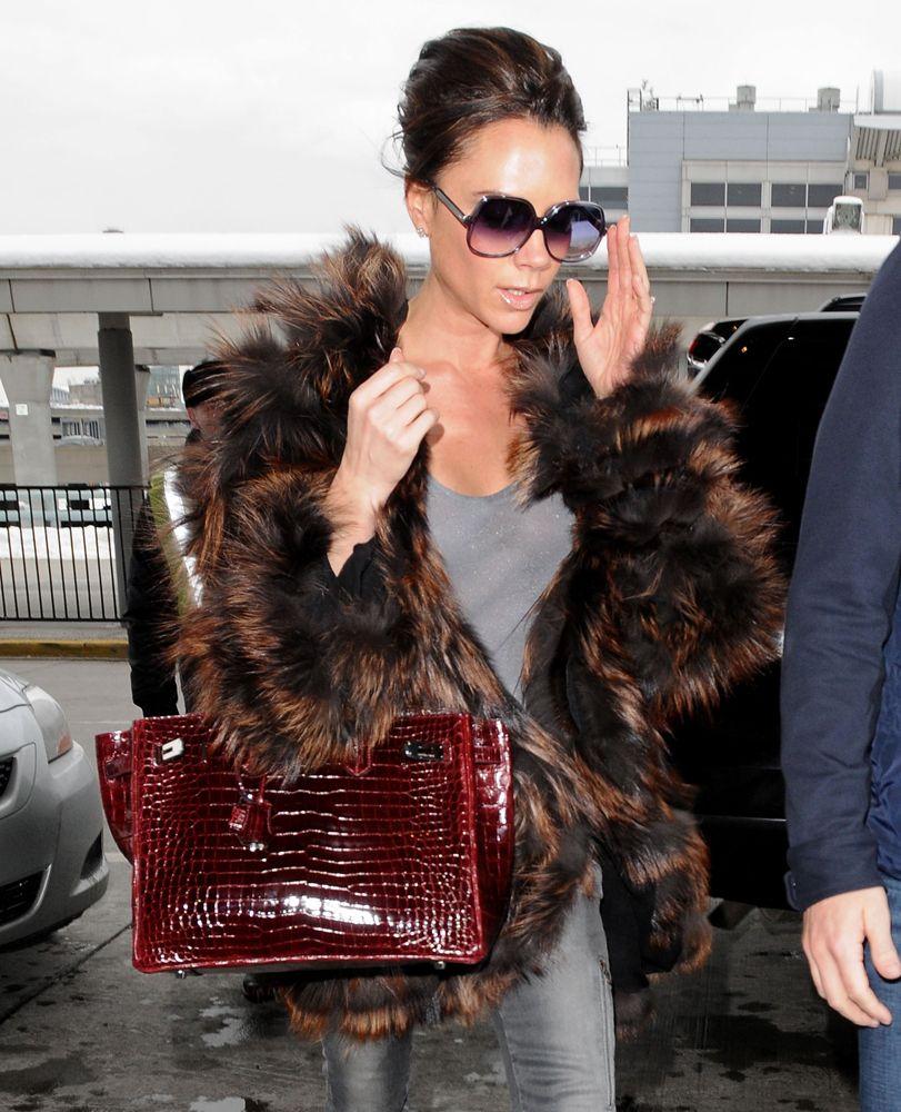 Victoria Beckham - 10 Celebrities Who Wear Hermes Birkin Bags