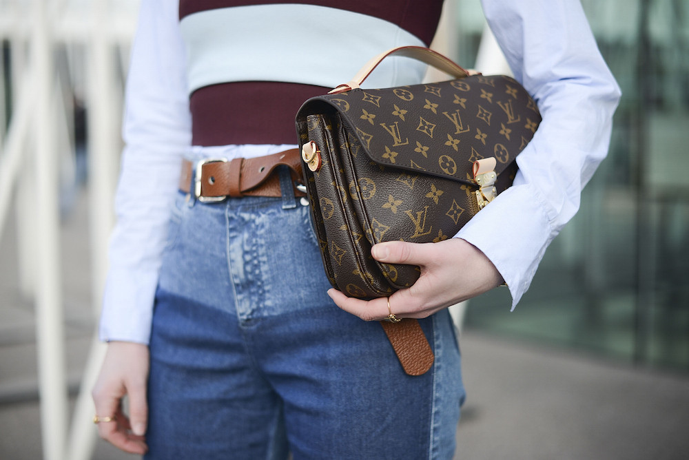 how to clean your louis vuitton bag 1470 - How to Hold Your Handbag Like a Celebrity