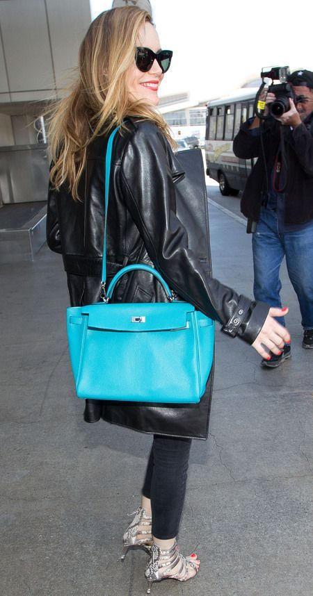 leslie mann the other woman hermes kelly handbag blue bag celebrity designer handbags - How to Hold Your Handbag Like a Celebrity